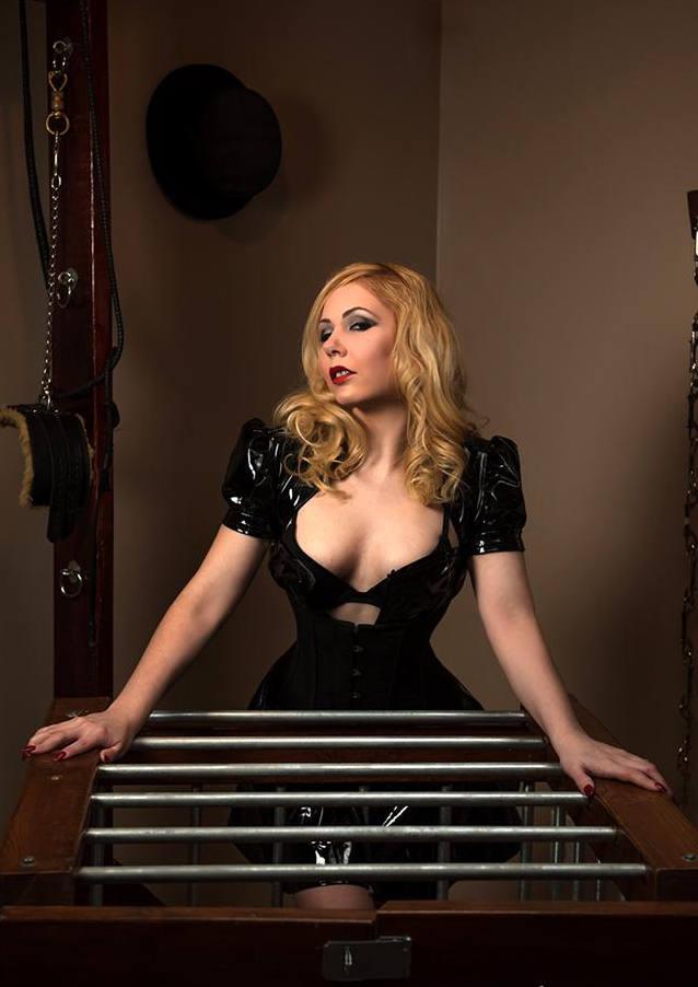 Sandra Mistress ti aspetta a Padova